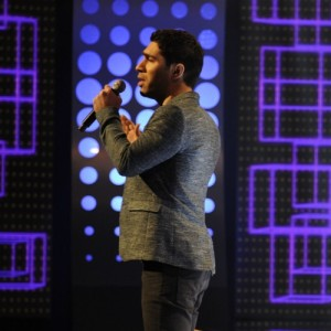 حسین کویار یه دیواره (اجرای زنده)