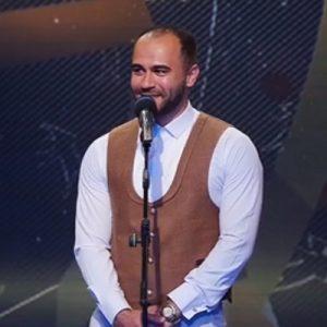 رضا ارمندپیشه ای وطن (اجرای زنده)