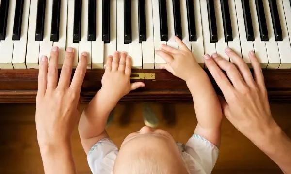 بهترین سن یادگیری موسیقی