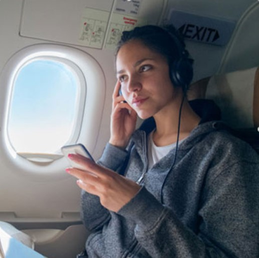 گوشدادن به موسیقیهای محبوب